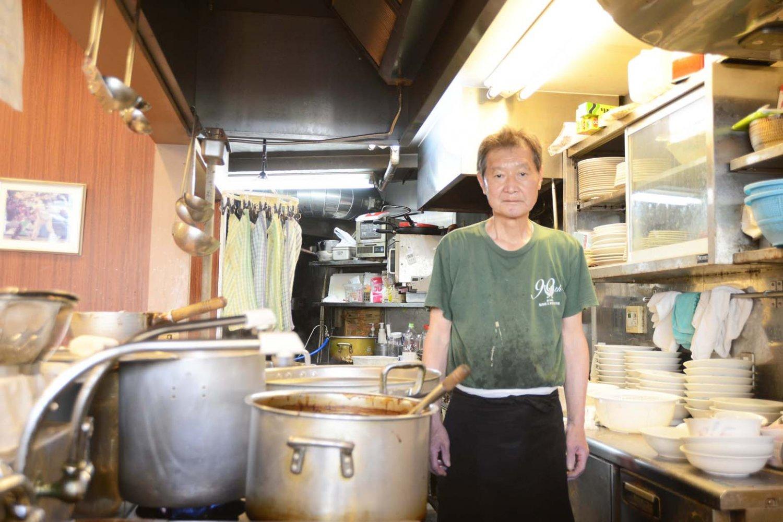 2代目店主の永岡道明さん。先代・武田氏のレシピを進化させ、現在の味をつくり出した。