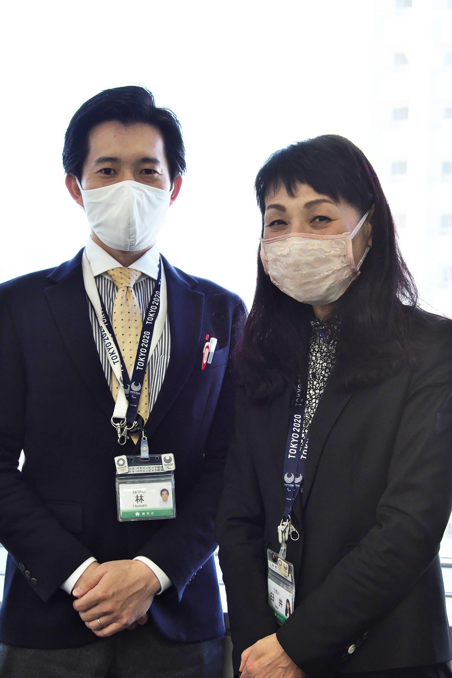練馬区オリンピック・パラリンピック担当課の臼井素子さん(右)と林哲也さん。