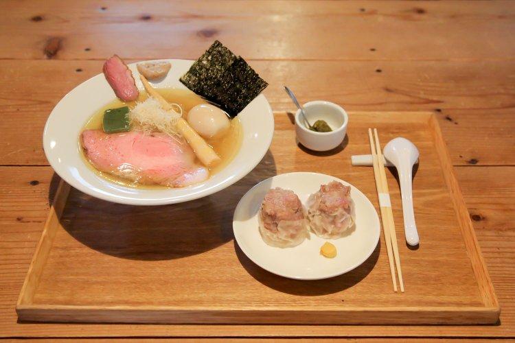 清湯豚骨白醤油拉麺 LABO麺(チンタントンコツシロショウユラーメン ラボメン)