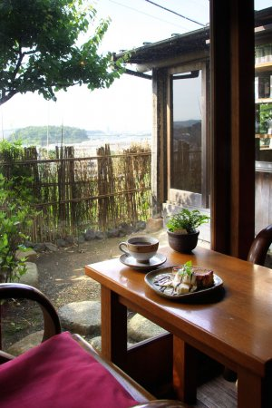 cafe tsukikoya 店内