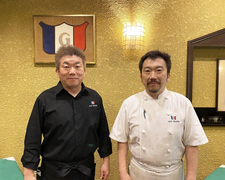兄の昌一さん(左)と、弟の良太郎さん(右)。