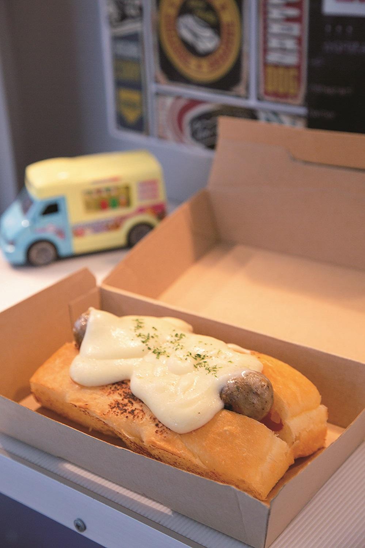 チーズフォカッチャドッグ750円は、現在イベント出店時に提供している。
