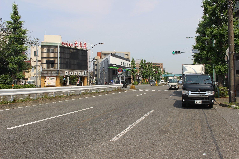 店は交通量の多い環八沿い。