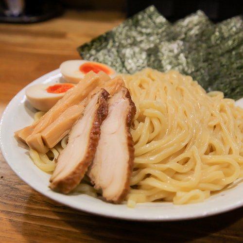 中野『豚そば鶏つけそば専門店 上海麺館』モチッつるり。製麺所の直営はダテじゃない!