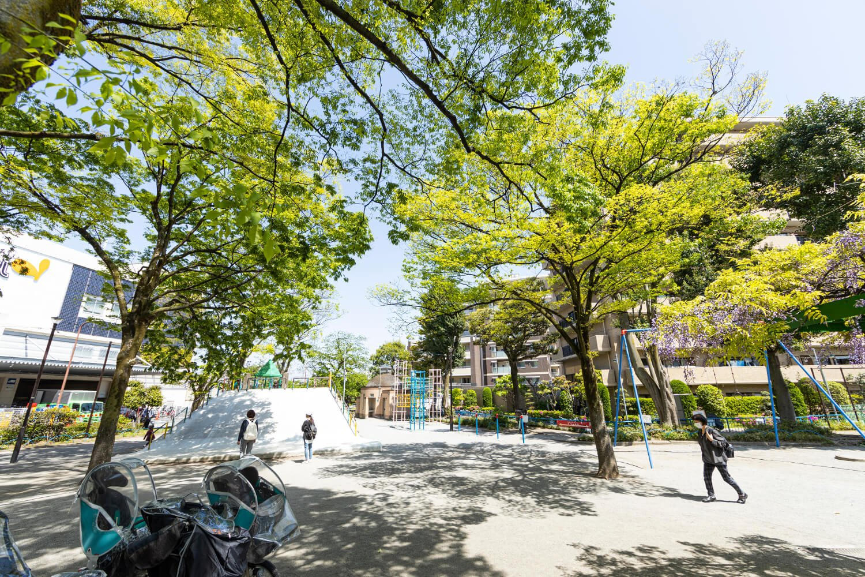 赤羽公園は地元民の憩いの場。