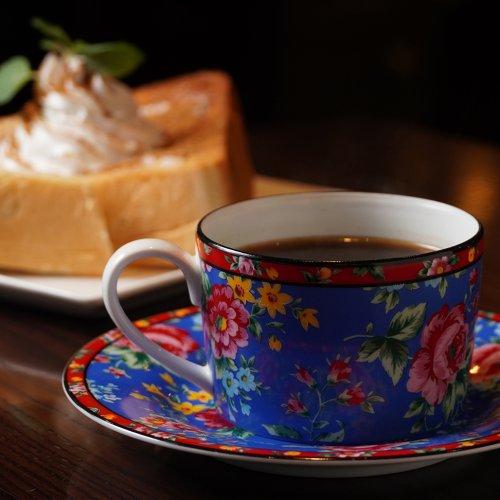 浸漬法で淹れたワンランク上のコーヒーを味わえる神田『喫茶けやき』は、最高の「打ち合わせ喫茶」なのだ