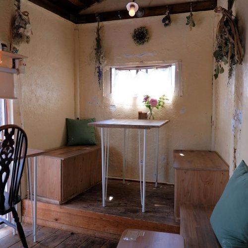 温かい想いをつなぐ屋根裏カフェ。西荻窪『カフェ クチュ』の愛情あふれる空間へ。