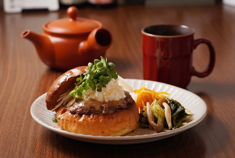 KAKUMEI Burger&Café(カクメイ バーガーアンドカフェ)