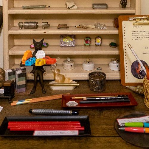 銀座の裏路地でお稲荷さんでお参りしたら、予約制文具店『ぎんざ五十音』でこだわりの文房具に出合う