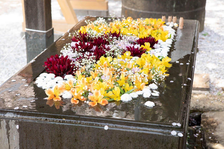 前玉神社の花手水。