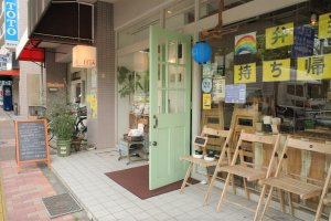 清澄白河カフェ_mammacafe151A_外観のドア