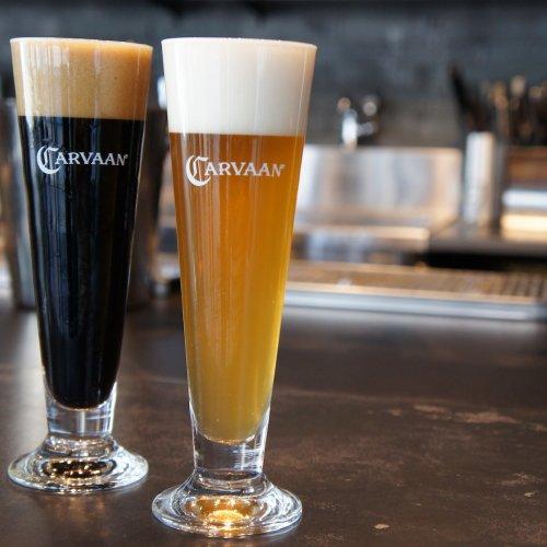 異文化を感じながら『CARVAAN CRAFT BEER & GRIL』でビールを手にする。飯能河原で醸造する本...