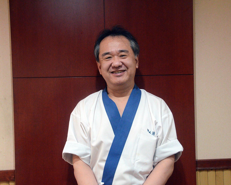 店主の高橋一郎さん。先代から継承した「京風とんかつ」の味を継承している。