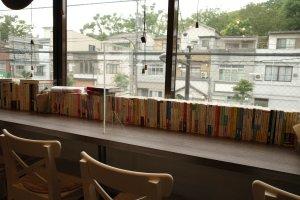 Cafe GINGER.TOKYO_カウンターと窓からの風景