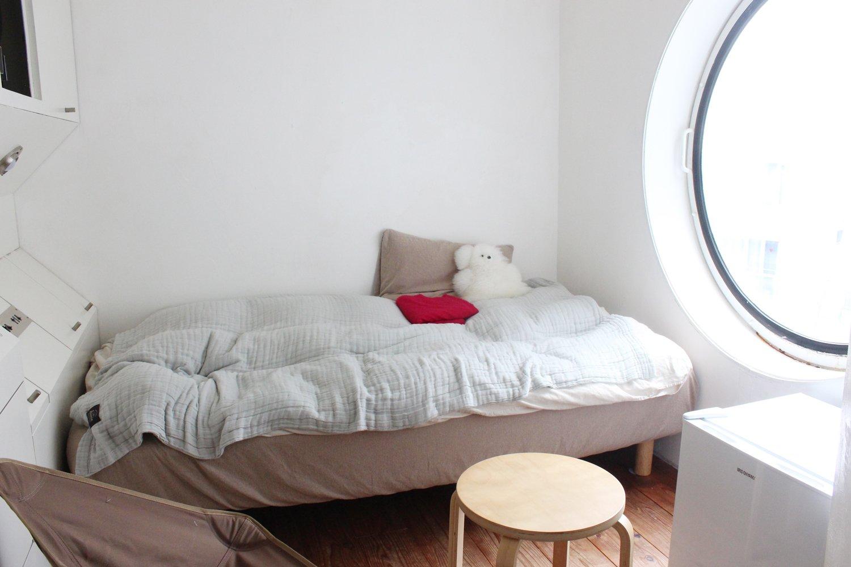よしみさんの部屋は、おかもとさんや私の部屋と取り付いている方角が違い、日当たりがよく湿度が低い。