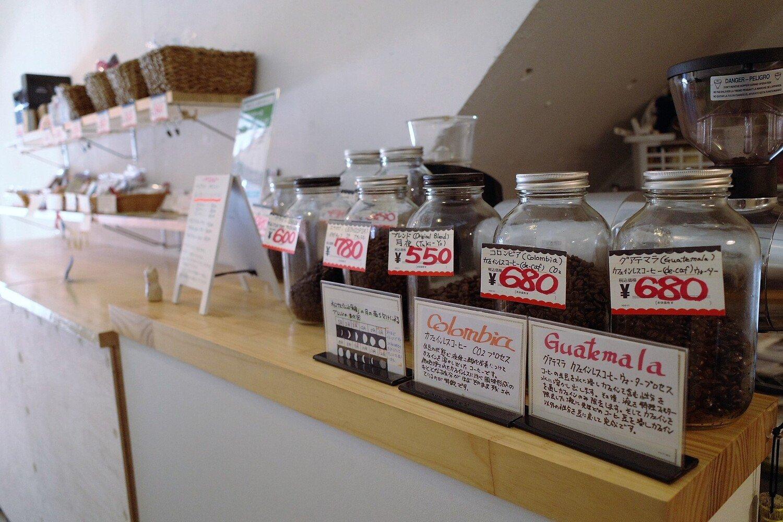 The NorthWave Coffee_豆の並ぶカウンター