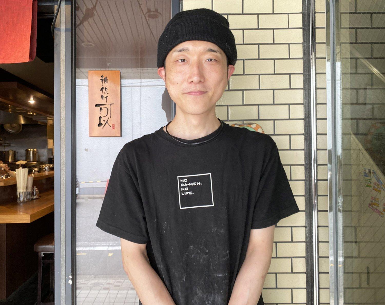 責任者の清田亮平さん。この店には店長という肩書きが存在しない。