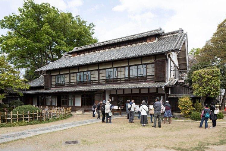 旧渋沢邸「中の家」(きゅうしぶさわてい なかんち)