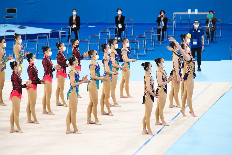 テストイベントには東京女子体育大学新体操部7チームも参加。新型コロナ感染対策で演技中以外はマスク姿なのが今様だ。