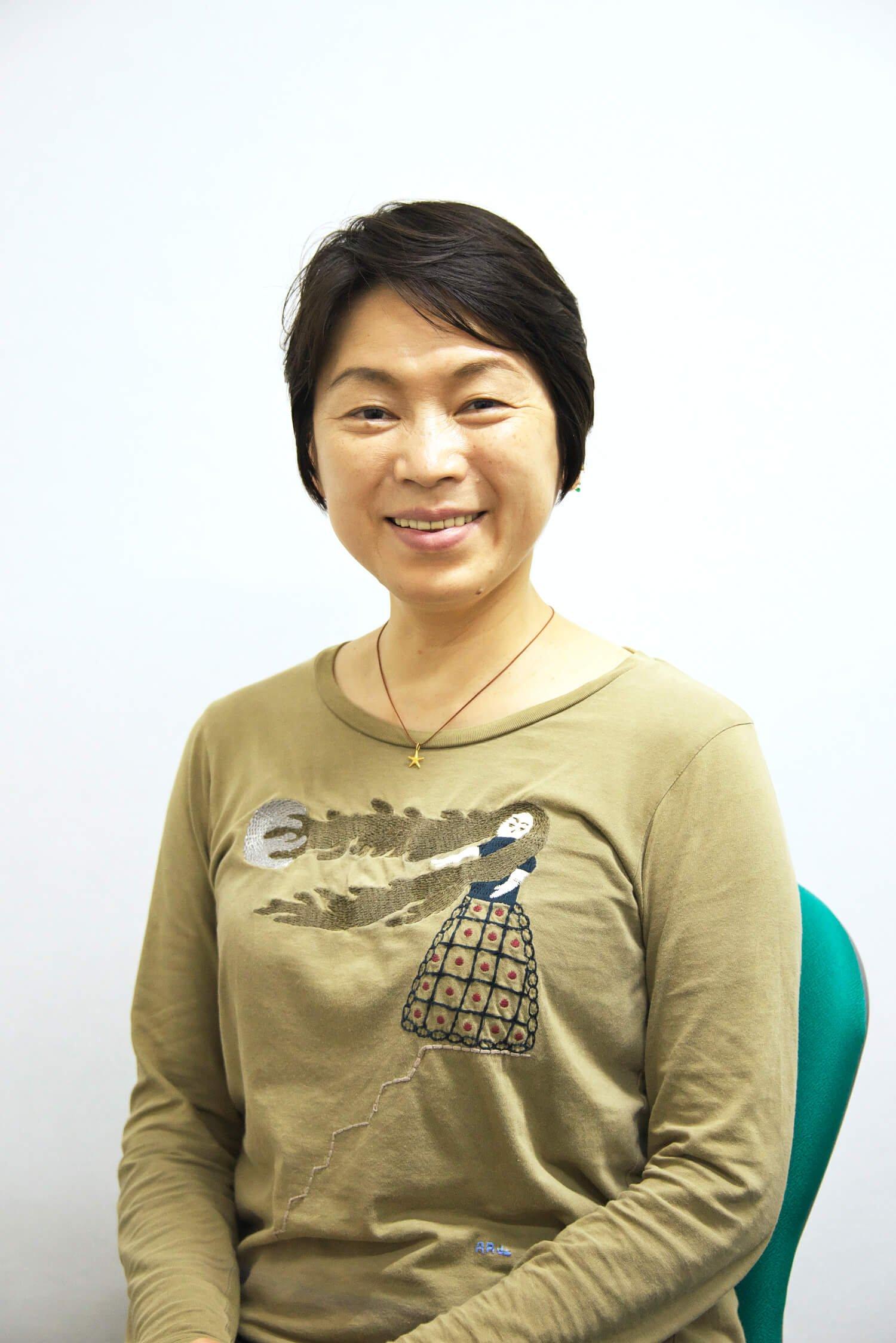 東京女子体育大学教授で新体操競技部部長の秋山エリカさん。1984年ロサンゼルス五輪、88年ソウル五輪に個人選手として出場した第一人者。