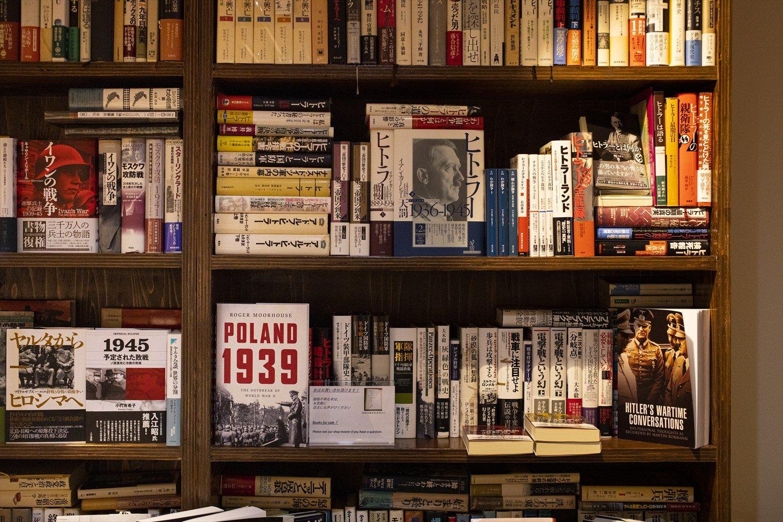 「地方の古書店も回って集めました」と鈴木さん。
