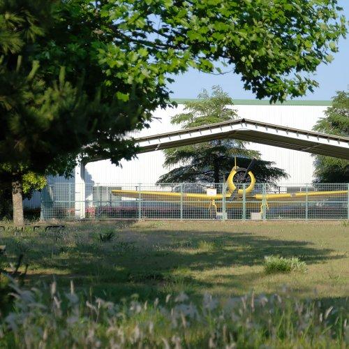 黄色い海自練習機が保存される場所は十字状滑走路の廃飛行場~旧海軍香取航空基地 前編