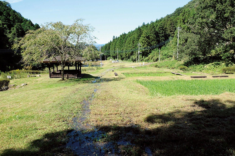 城への登上口のひとつ、柴山口がある栃本公園。