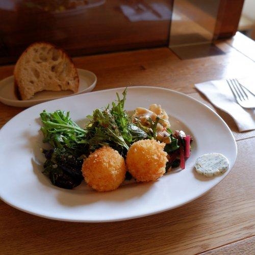 季節の野菜とハーブ・スパイスの魅力に気付かされるカフェ。西荻窪『yuè(ユエ)』