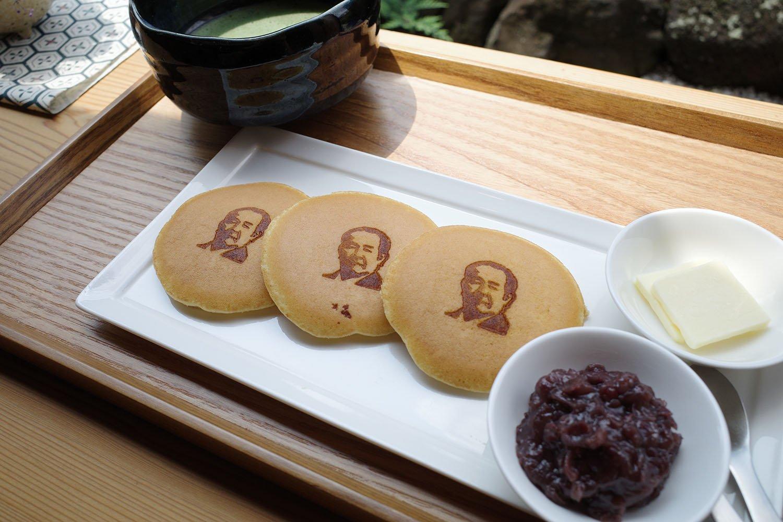 古伝餡濱岡屋の朝焼き栄一バターどら焼き