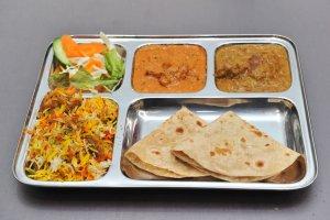 カフェと印度家庭料理レカ2
