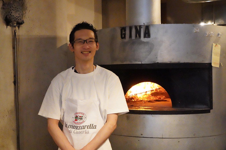 今もピッツァの食べ歩きが趣味という店長の石井将斗さん。
