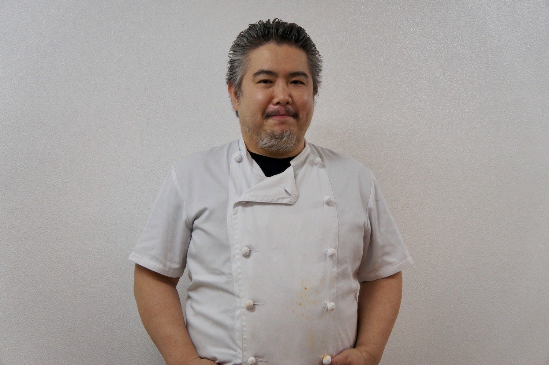 2代目店主の上野義巳さん。