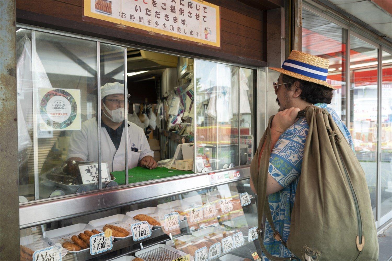 昭和40年代創業の香川駅前商店街の『宮代商店』。ここのコロッケとアメリカンドッグで育った。