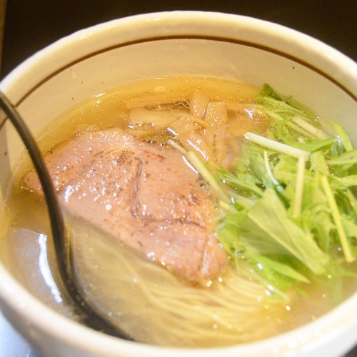 透き通った淡麗系塩ラーメンが人気の大井町『麺屋 焔』。大井町っ子店主がたどり着いた「引き算のスープ」