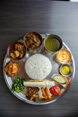 ネパール民族料理 アーガン2