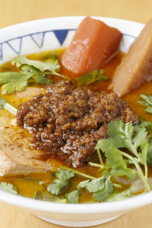 キーマカレー豚汁817円(定食は1034円)。