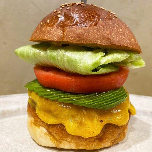 肉の旨味がたまらない! 池袋『No.18』のハンバーガーは焼き加減もオーダーできるステーキ肉100%の絶品グルメ