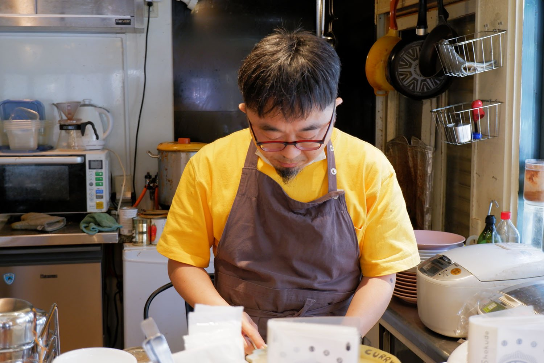 店主の増川さん。