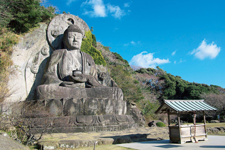 日本寺にある高さ31mの大仏。1783年に彫刻され、1969年に修復された。