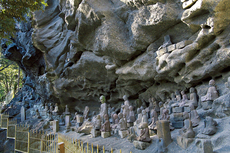 千五百羅漢といわれる石仏群が凄い。江戸時代後期に21年かけて作られたもの。