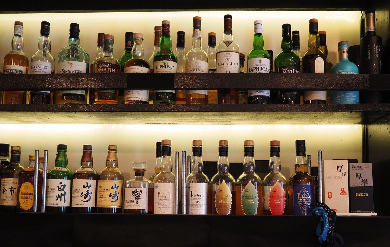 目の前をよく見ると、並ぶボトルは「好きな」ヒトのセレクトであった。