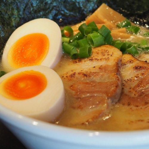 中野『鵺 (NUE NOODLE DINING)』の優しい鶏白湯そば。夜の鳥たちが集うワケ