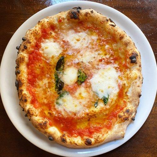 池袋西口の『PIZZA BORSA(ボルサ)』本格窯焼きピッツァ専門店の平日ランチがお得すぎる!