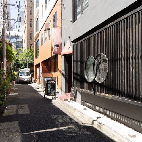人形町『NIHONBASHI CAFÉST』は下町情緒あふれる路地で地方の食を伝えるカフェ