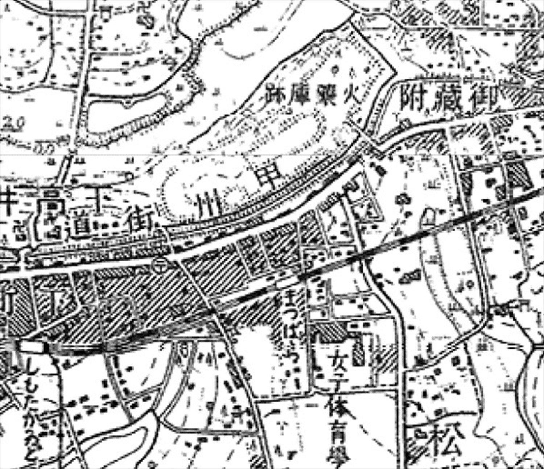 昭和6年(1931)ごろの様子。火薬庫跡の真南に松原駅があった。(「今昔マップ on the web」より)