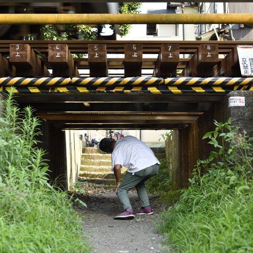 """ガードが低すぎ! 矢印多すぎ! 駅や鉄道施設に潜む""""ドキドキ鉄道ポイント""""を見よ"""