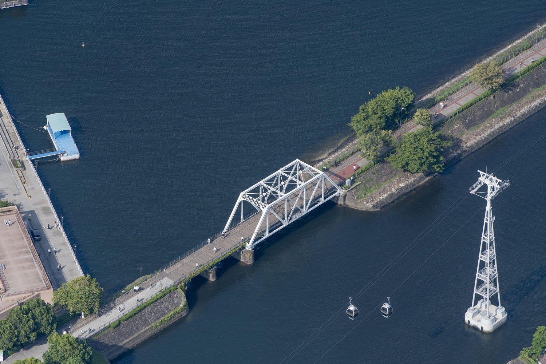 港一号橋梁の反対側