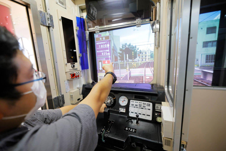 ATS時代の京王線なので線路横に信号機があるぞ。