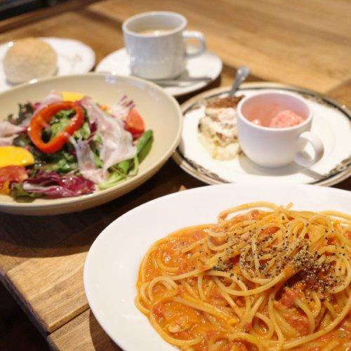 板橋の隠れ家レストラン『WineBistro Le mariage』で、ゴルゴンゾーラの溶けるアツアツのトマトクリームパ...
