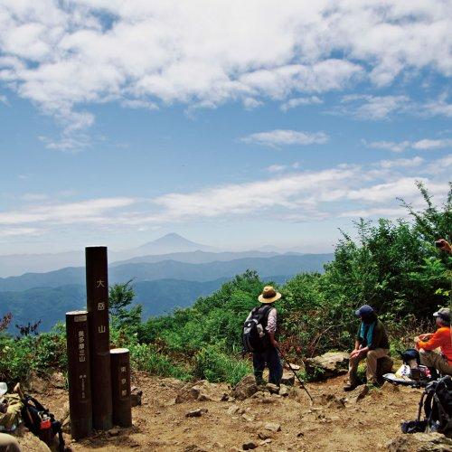 歩きがいのあるロングコース、御岳山から大岳山、御前山【東京発日帰り山さんぽ】
